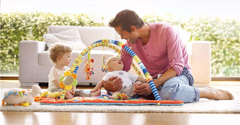 Large Activity Playmat with Removable bars and toys