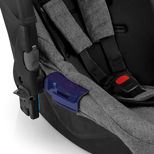 Installation with seat belt or ISOFIX