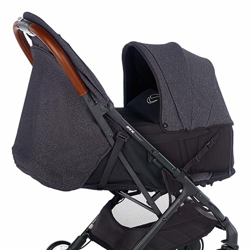 carrycot available