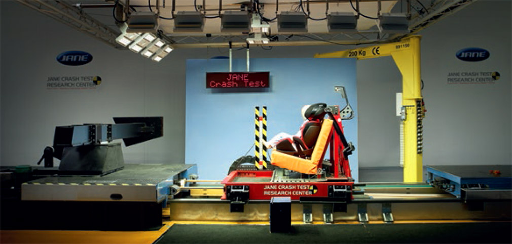 Advanced Child Safety Seat Crash Test Tunnel